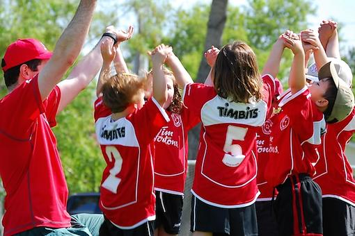 5 Ways to Teach Your Child to Be a Team Player in Sports!