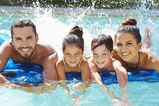 6 Healthy Benefits of Swimming for Kids, Parents & Even Moms-to-be!