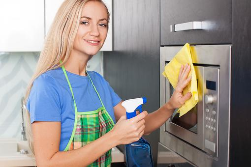6 Minute Microwave Miracle: Try This Time-Saving Hack to Clean Your Microwave!