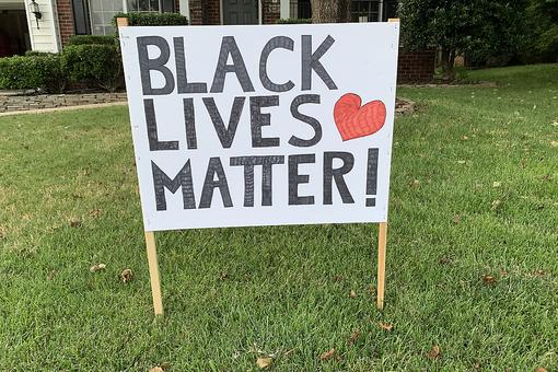 "A White Man Placed a ""Black Lives Matter"" Sign on His Front Lawn & Here's What He Noticed"