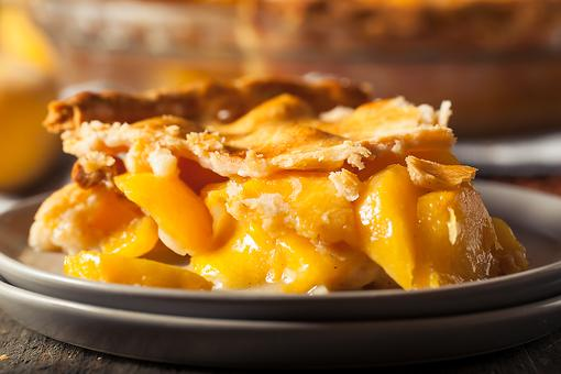This Easy Peach Pie Recipe Is Calling Your Name