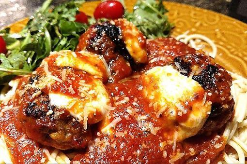 Sun-dried Tomato Meatballs Recipe: Meatballs in a Sun-dried Tomato Sauce With Fresh Mozzarella