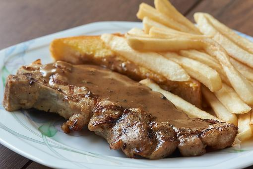 Amish Pan-seared Pork Chops Recipe With Homemade Brown Gravy: Comforting Country Cooking the Amish Way