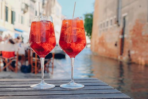 Aperol Spritz Cocktail Recipe: Close Your Eyes & You're in Italy