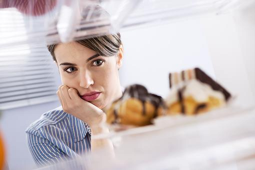 Are You an Emotional Eater? 3 Ways to Overcome It!