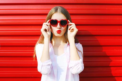 Valentine's Day Beauty: How to Get Ravishing Ruby Red Lips (the Classic Look Demystified)