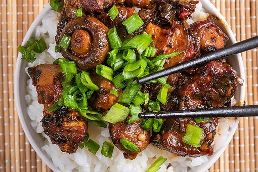 Soy-Honey Glazed Pork Belly With Mushrooms Recipe: Treat Yourself Tonight With This 20-Minute Pork Belly & Mushroom Stir-fry Recipe