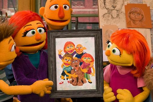 "Autism Awareness Month: Julia, the ""Sesame Street"" Muppet With Autism, Introduces Her Family!"