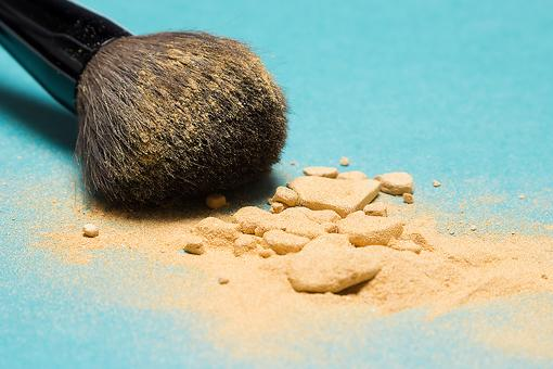 Mineral Makeup: Magic Potion or Marketing Hype?