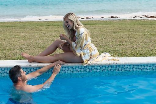 """The Bachelor"" Arie Luyendyk, Jr. & Lauren Luyendyk Travel to Bermuda for the Ultimate Babymoon"