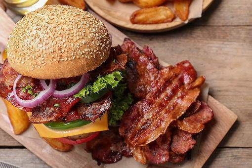 Bacon Lovers: Here Are 5 Types of Bacon to Use for Breakfast, Lunch & Dinner