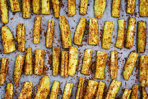 Baked Zucchini Sticks Recipe With Parmesan Herb Crumbs Is the Bomb Diggity