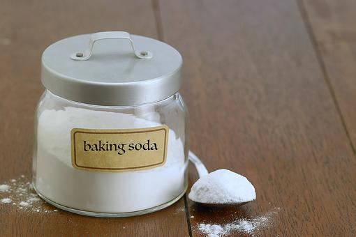 10 Creative Ways to Use Baking Soda & Save Money (It's Only $1 a Box!)