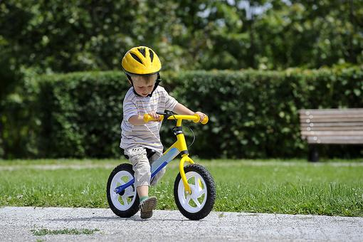 Balance Bikes: An Easy Way to Teach Toddlers & Preschoolers to Ride a Bike