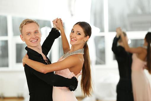 Ballroom Dancing: Here Are 6 Joys & Benefits of Dancing!