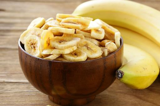 Banana Chips Recipe: This 2-Ingredient Snack Recipe Is Healthy & Gluten Free