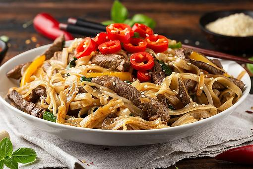 Easy Beef Chow Fun Recipe: This Delicious Cantonese Stir-fried Beef Recipe Cooks in 5 Minutes