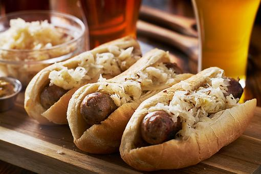 Beer & Brats: This Bratwurst Recipe Is a Must for Outdoor Cookouts