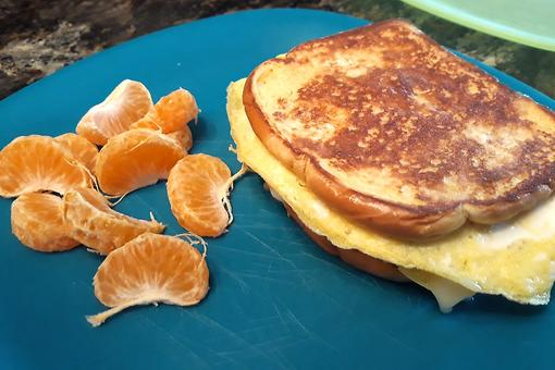 One-Pan Breakfast Sandwich Recipe: Make This Easy Omelet Sandwich With Your Kids