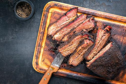 The Best Brisket Rub Recipe to Rub on Your Brisket (and It's Pretty Dang Good on Ribs, Too)