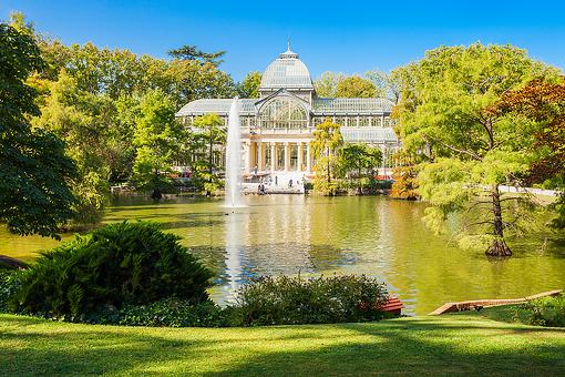 Buen Retiro Park in Spain: A Reminder That Life Is a Choice From an Artist in Madrid, Spain