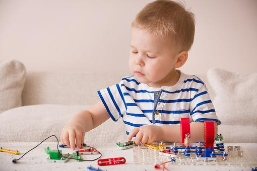 Button Batteries & Kids: Safety Precautions & Symptoms of Battery Ingestion in Children