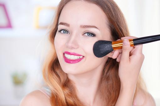 Can't Leave the House Without Full Makeup? Put Down the Eye Shadow & Read This!