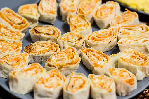Carrot Cream Cheese Rollups Recipe: This Creamy Carrot Pinwheels Recipe Is a Healthy, Flavorful Appetizer