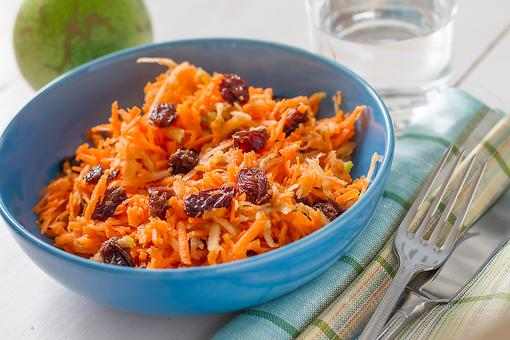 Carrot & Raisin Salad Recipe: This Old-Fashioned Carrot & Raisin Salad Recipe Is Naturally Sweet & Tangy