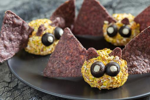Halloween Appetizers: You'll Go Batty for These Mini Pistachio Cheese Ball Bats!