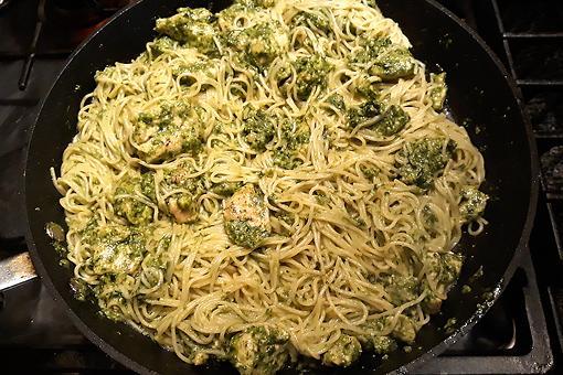 Chicken Pesto Pasta Recipe: Don't Lose This 15-Minute Creamy Basil Pesto Pasta & Chicken Recipe