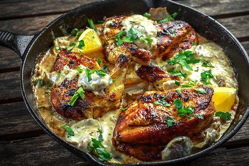Chicken Recipes: This Chicken With Creamy Bacon & Mushroom Sauce Recipe Will Leave You Speechless