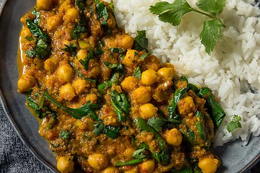 20-Minute Chickpea & Spinach Curry Recipe: Hurry & Make This Easy Vegetarian (and Vegan) Curry Recipe