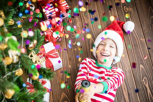 Christmas Photo Ideas: 22 Creative Ways to Take Your Family Holiday Pic