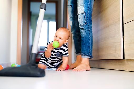 Cleaning Tips for Moms: How to Have a Clean Home in Minutes Each Day!