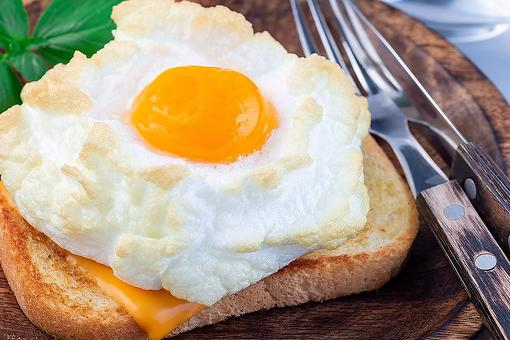 Cloud Eggs Recipe: This Orsini Eggs Recipe (Eggs in Clouds) Is So Easy to Make for Breakfast or Brunch
