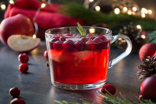 Holiday Drink Recipes: This Hot Cranberry Apple Cider Warms You Up From the Inside Out