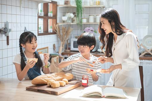 Healthy Food Habits for Kids: Why It Begins Before You Even Start Preparing a Meal
