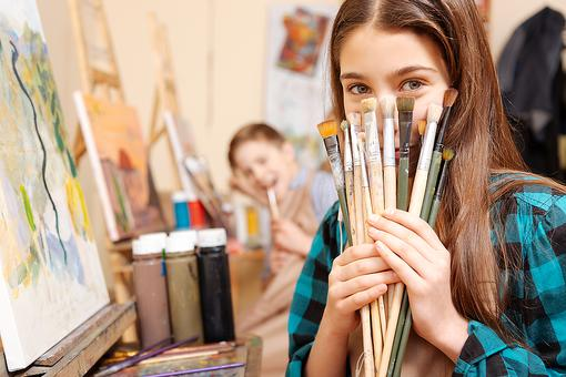 Creative Minds: How Art Classes Help Kids Look at the World Through New Eyes