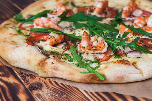 Creative Pizza Recipes: This Easy Shrimp Scampi Pizza Puts a Fun Twist on Pizza Night & a Classic Seafood Recipe