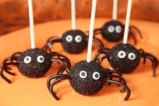 Creepy Cake Pops: How to Turn Cake Pops Into Spiders for Halloween Fun!
