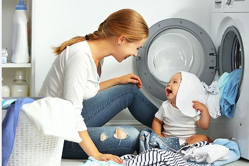 Dryer Sheet Alternatives: How to Make DIY Dryer Sheets & Save Money When Doing Laundry