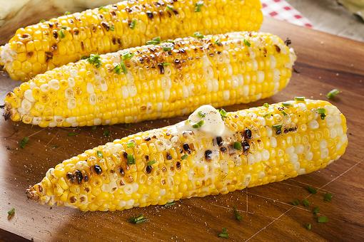 Grilled Corn on the Cob: Ditch the Aluminum Foil & Grill Corn This Way!