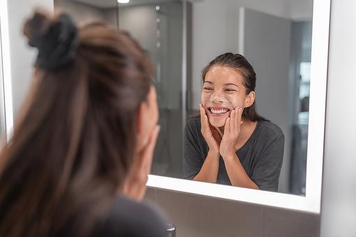 Do You Wash Your Face the Right Way? 8 Face-Washing Mistakes That Can Age You