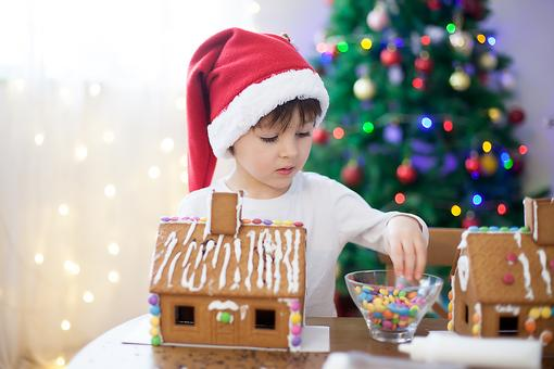 Do Your Gingerbread Houses Fall Apart? Try This Simple Holiday Hack!