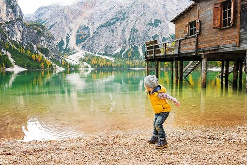 Do You Let Your Kids Throw Rocks Into the Water? Here's Why You Should, Mom & Dad!