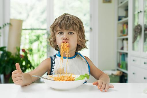 Does Your Child Have Manners? 5 Ways to Encourage Manners in Kids!