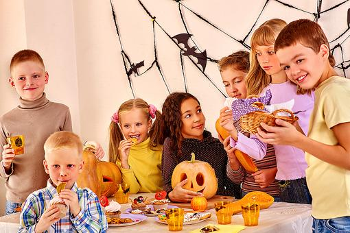Does Your Kid Have Food Allergies? 5 Tips to Keep 'Em Safe This Halloween!