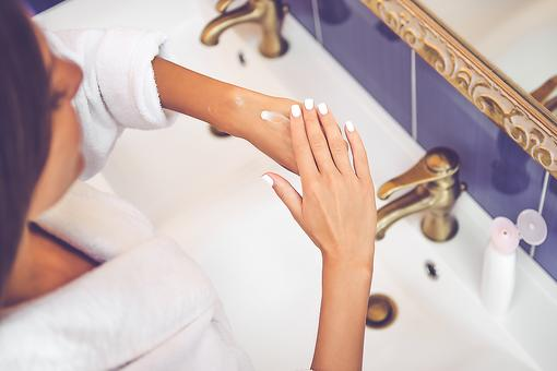Dry Hands? Try This DIY Remedy for Smooth, Soft Hands in Minutes!