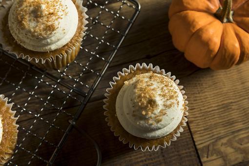 Easiest Pumpkin Spice Cake Recipe: This Moist & Delicious Pumpkin Spice Cupcake Recipe Is Almost Effortless